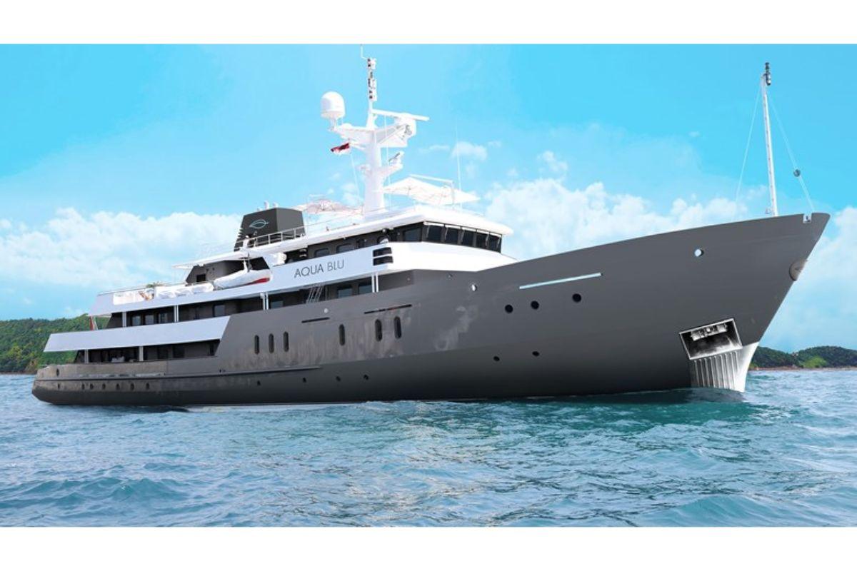 Aqua Expeditions calls in the Royal Navy